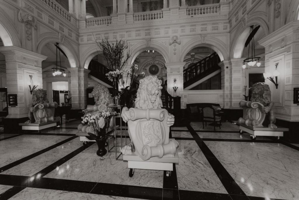 Amstel Hotel Lions